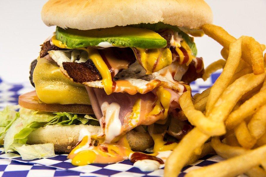 malbouffe hamburger et calories